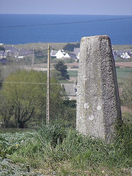 Photo du Monument Historique Stèle gauloise situé à Cléder