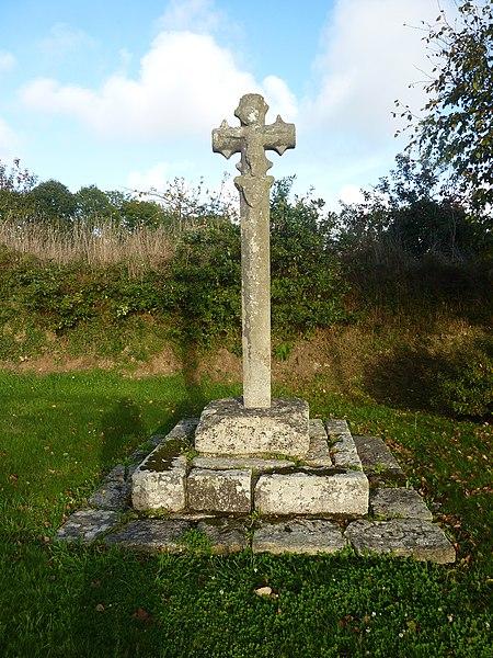 Photo du Monument Historique Croix situé à Clohars-Fouesnant