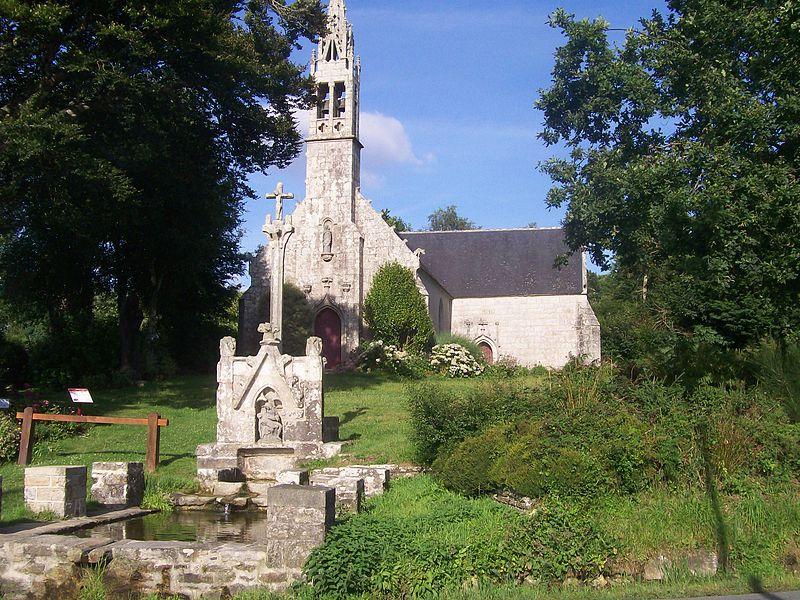 Photo du Monument Historique Fontaine et calvaire du Dreneck situé à Clohars-Fouesnant