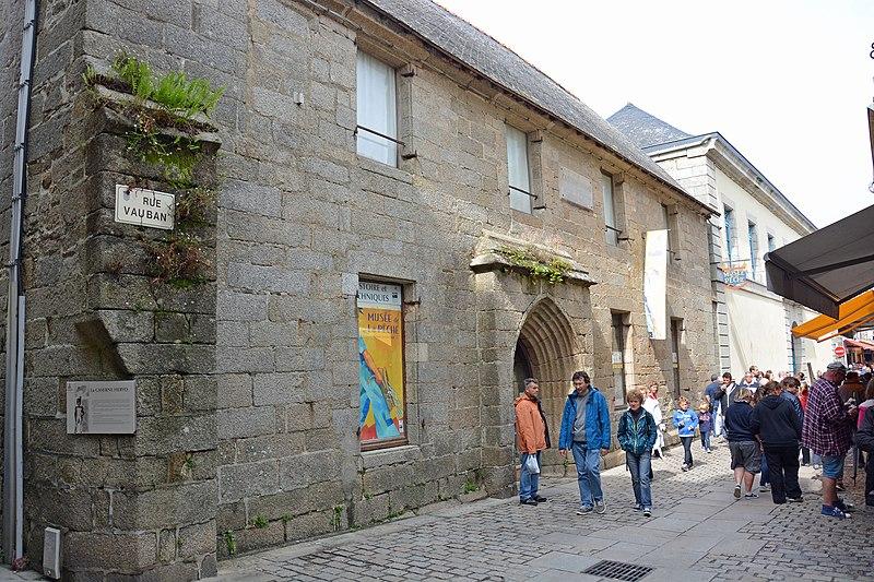 Photo du Monument Historique Ancienne caserne Hervo situé à Concarneau