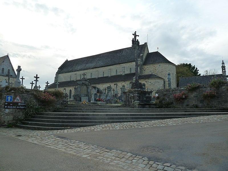Photo du Monument Historique Cimetière situé à Daoulas