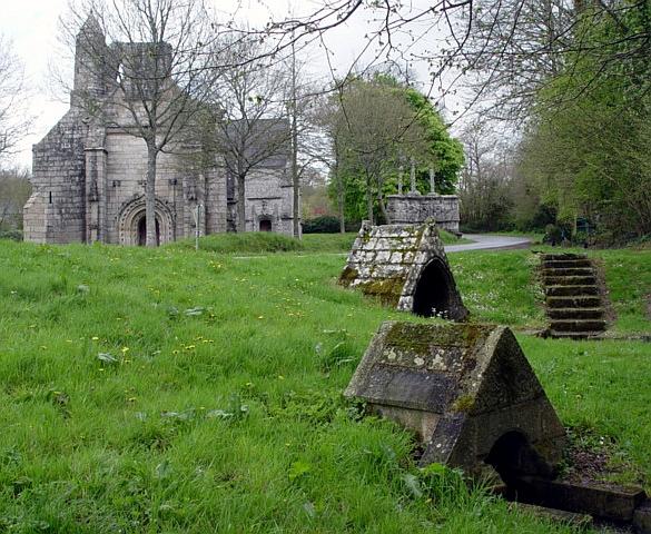 Photo du Monument Historique Chapelle Notre-Dame des Trois-Fontaines situé à Gouézec