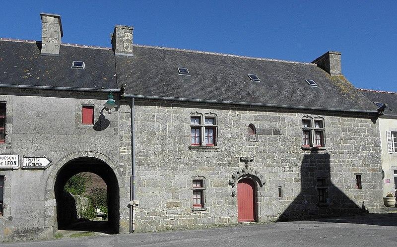 Photo du Monument Historique Maison du 16e siècle situé à Goulven
