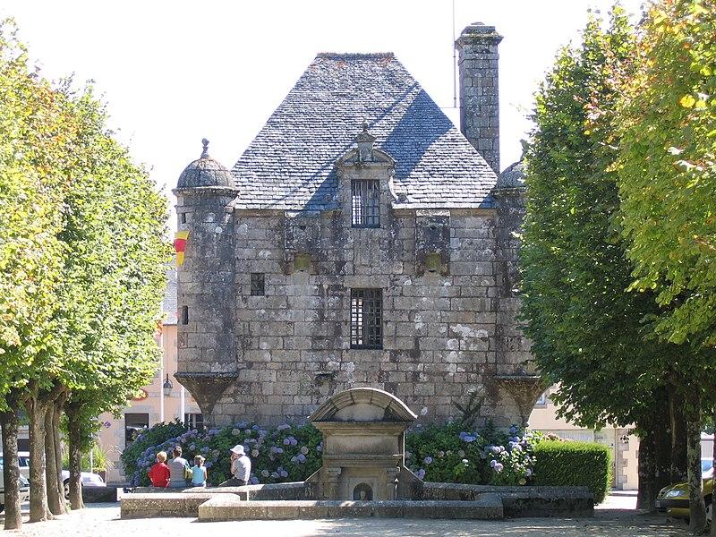 Photo du Monument Historique Prétoire ou prison seigneuriale situé à Guerlesquin