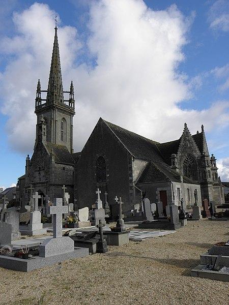 Photo du Monument Historique Eglise Saint-Pierre situé à Guiclan