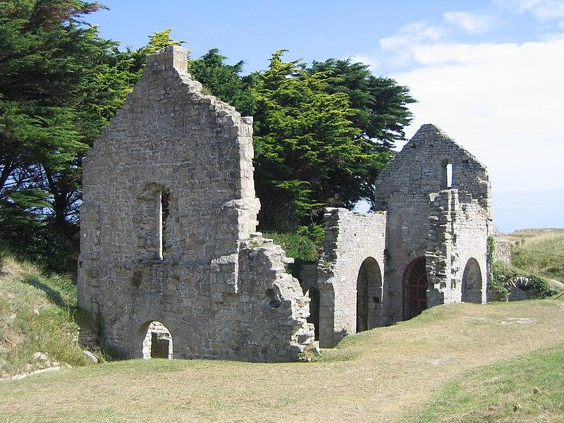 Photo du Monument Historique Ruines de la chapelle Sainte-Anne situé à Ile-de-Batz