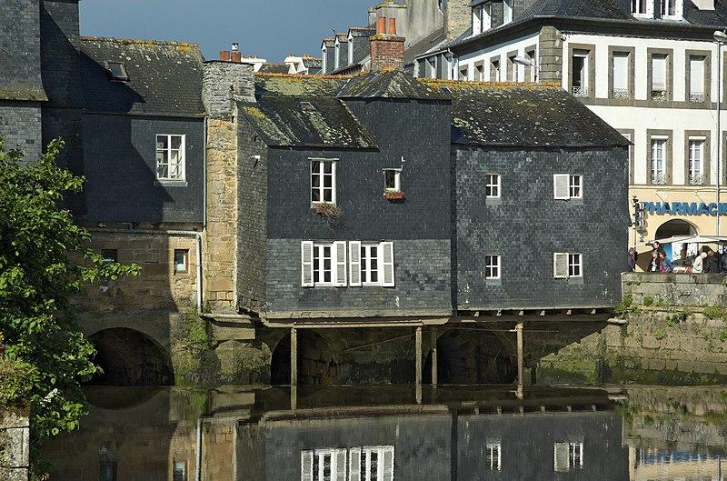 Photo du Monument Historique Pont de Rohan et maisons situé à Landerneau