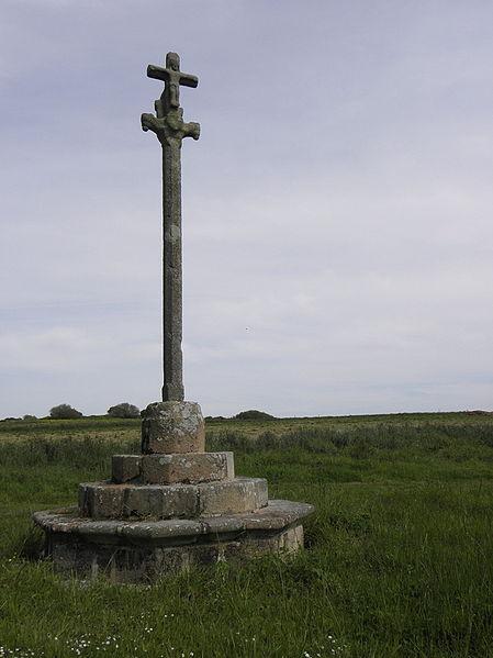 Photo du Monument Historique Croix de Saint-Fiacre situé à Lanmeur