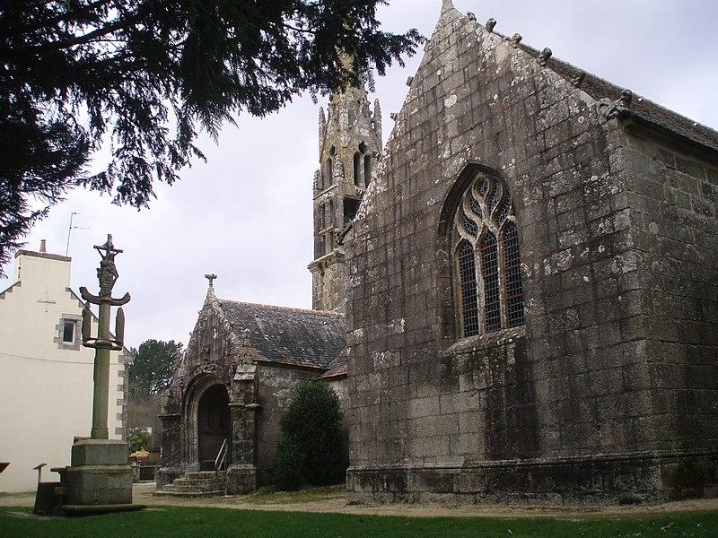 Photo du Monument Historique Eglise Sainte-Geneviève situé à Loqueffret