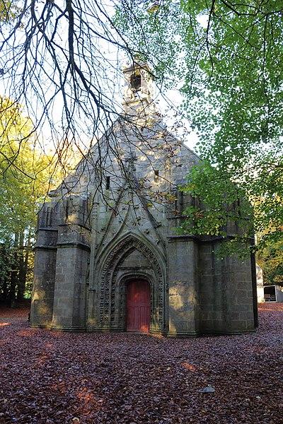 Photo du Monument Historique Chapelle de la Croix situé à Loqueffret