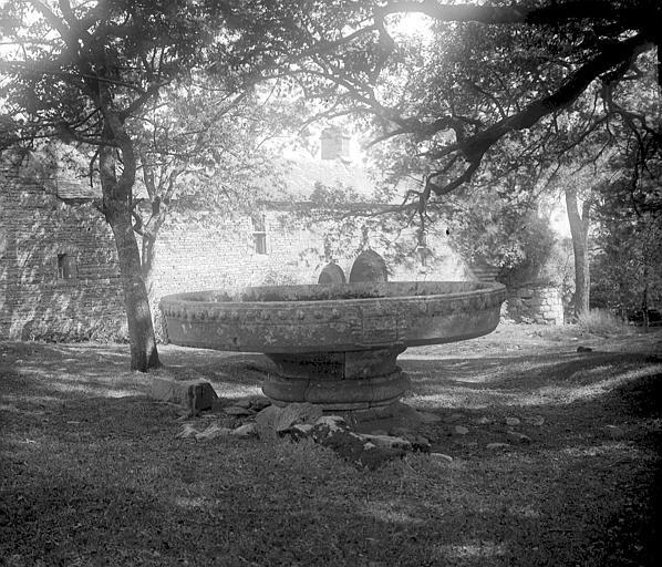 Photo du Monument Historique Manoir du Rusquec à Saint-Herbot situé à Loqueffret