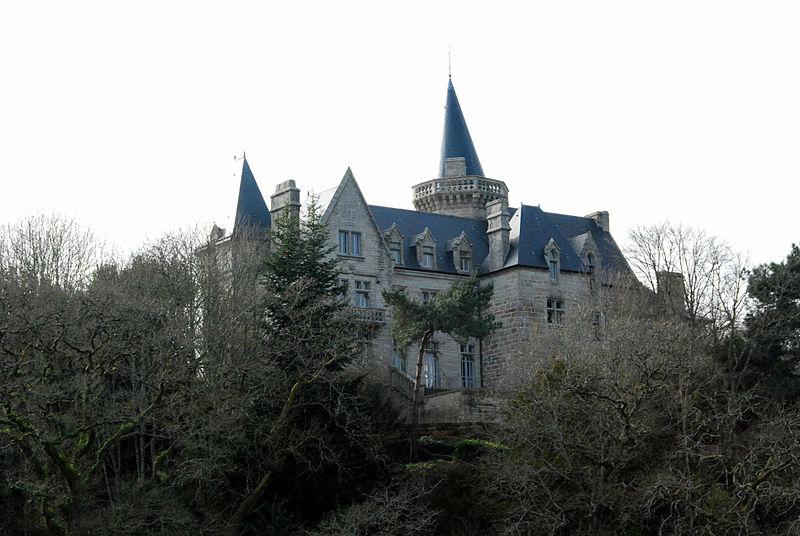Photo du Monument Historique Château du Hénant situé à Névez