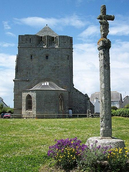 Photo du Monument Historique Ruines de la tour de Saint-Guénolé situé à Penmarch