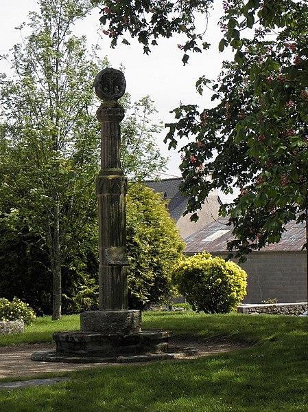 Photo du Monument Historique Croix hosannière situé à Plouézoch