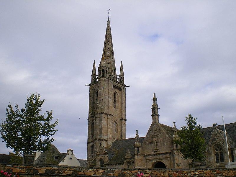Photo du Monument Historique Eglise Saint-Pierre et croix dite du Bourg situé à Plougasnou