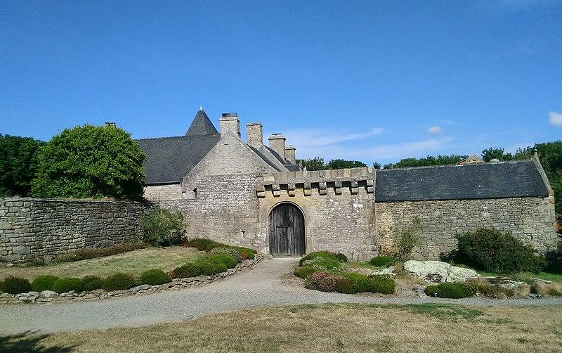 Photo du Monument Historique Manoir de Kerenneur situé à Plourin