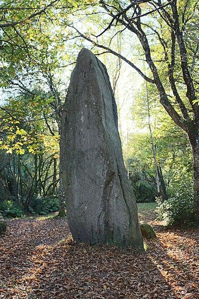 Photo du Monument Historique Trois menhirs de Lespurit-Quelen situé à Plovan