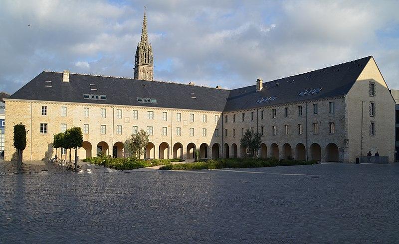 Photo du Monument Historique Ancien couvent des Ursulines situé à Quimper