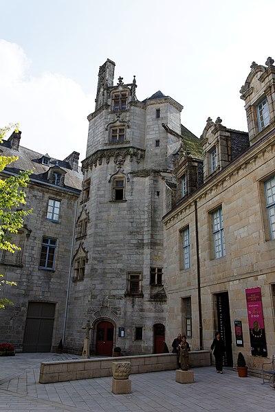 Photo du Monument Historique Ancien évêché, actuellement musée départemental breton situé à Quimper