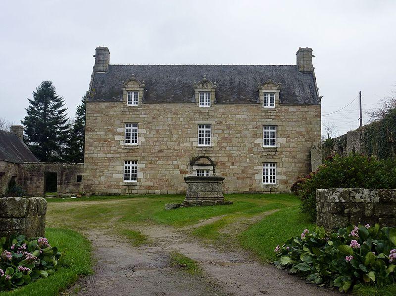 Photo du Monument Historique Manoir de Kerahmanez, à Kerfeunteun situé à Quimper