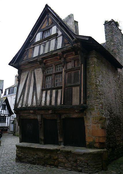 Photo du Monument Historique Maison du 16e siècle situé à Quimperlé