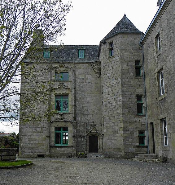 Photo du Monument Historique Manoir de Kéroulas situé à Saint-Pol-de-Léon