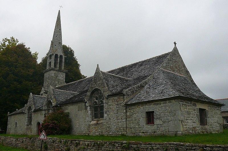 Photo du Monument Historique Chapelle avec l'ossuaire de Locmaria-an-Hent situé à Saint-Yvy
