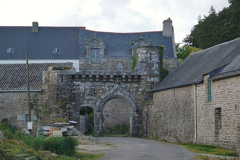 Photo du Monument Historique Manoir de Toulgoat situé à Saint-Yvy