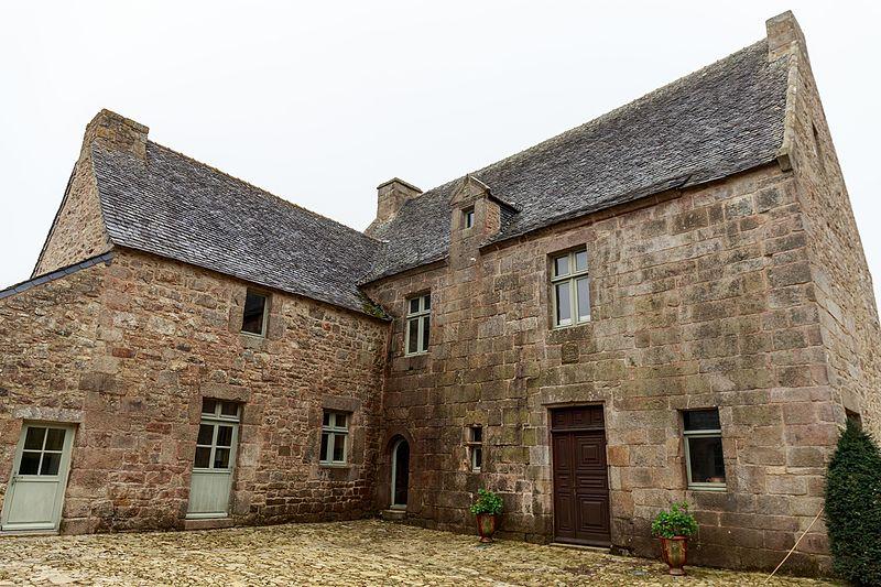 Photo du Monument Historique Manoir de Créac'hingar situé à Tréflaouénan