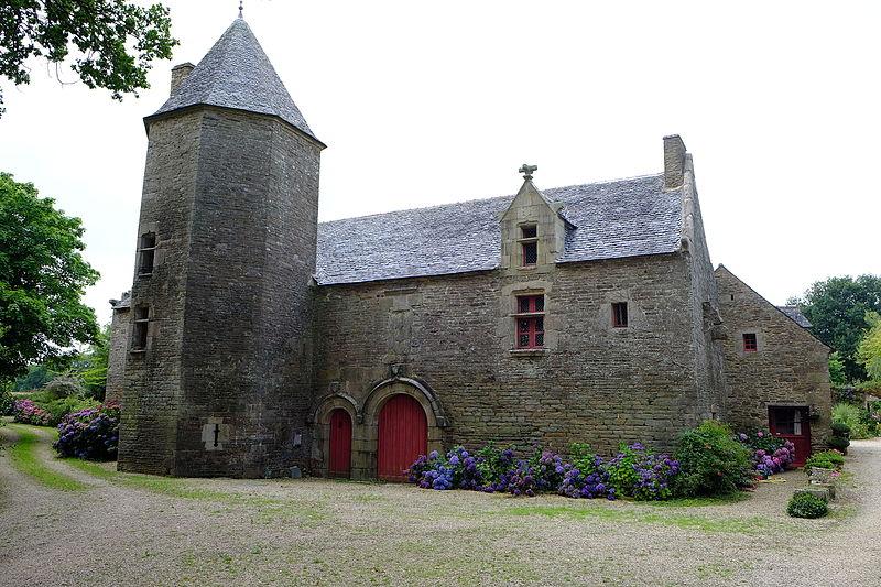 Photo du Monument Historique Manoir de Mézedern situé à Plougonven