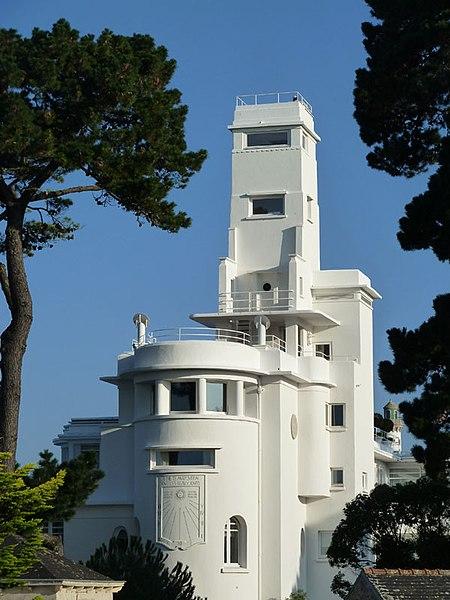 Photo du Monument Historique Ancienne villa Magdalena ou Kermadalen, puis villa le Minaret, actuellement Hôtel le Minaret situé à Bénodet
