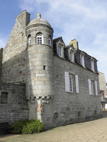 Photo du Monument Historique Demeure du passage Louis-Noir situé à Roscoff