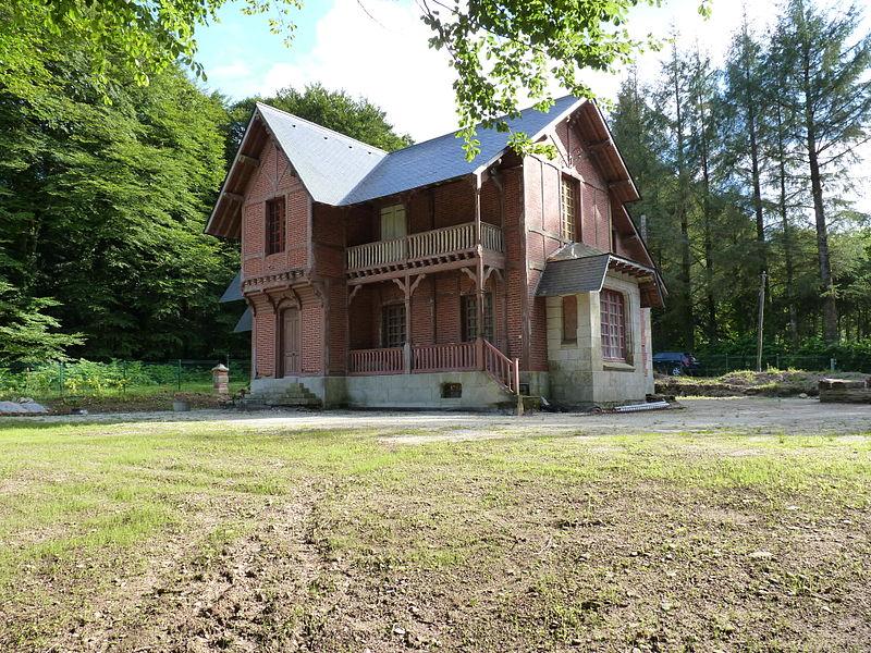 Photo du Monument Historique Ancien pavillon de chasse de Moniven situé à Laz