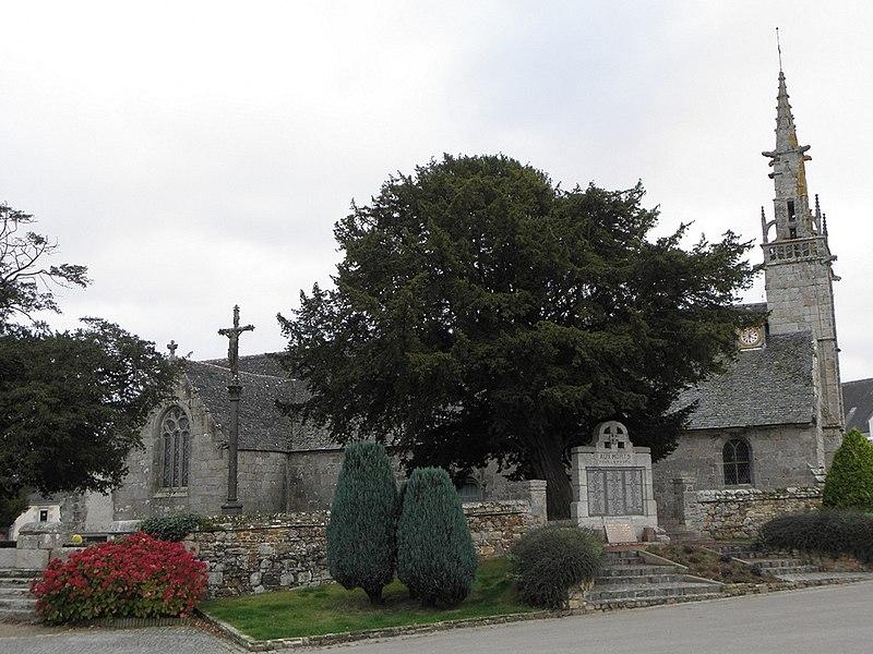 Photo du Monument Historique Eglise paroissiale Saint-Agapit situé à Plouégat-Guérand