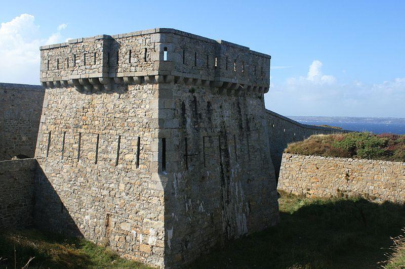 Photo du Monument Historique Ensemble défensif de la pointe de Toulinguet situé à Camaret-sur-Mer