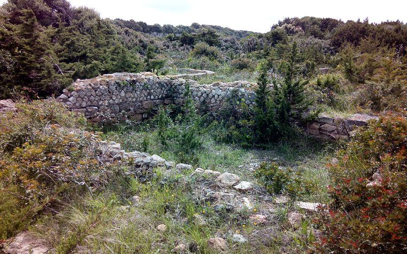 Photo du Monument Historique Site archéologique antique de Piantarella situé à Bonifacio