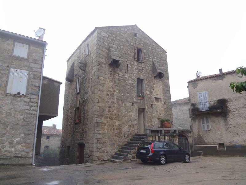 Photo du Monument Historique Maison fortifiée, dite Maison Giacomoni situé à Sainte-Lucie-de-Tallano