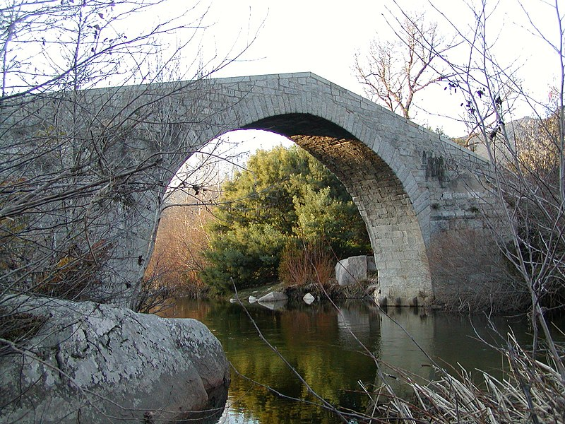 Photo du Monument Historique Pont de Spina-Cavallu sur le Rizzanèse situé à Arbellara ; Sartène