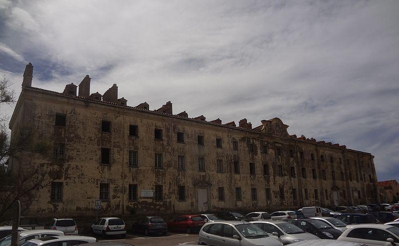 Photo du Monument Historique Caserne génoise situé à Bonifacio