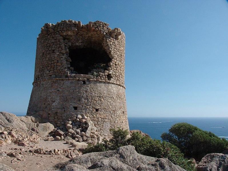 Photo du Monument Historique Tour de Roccapina situé à Sartène