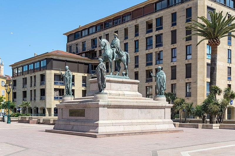 Photo du Monument Historique Monument commémoratif Napoléon et ses frères situé à Ajaccio