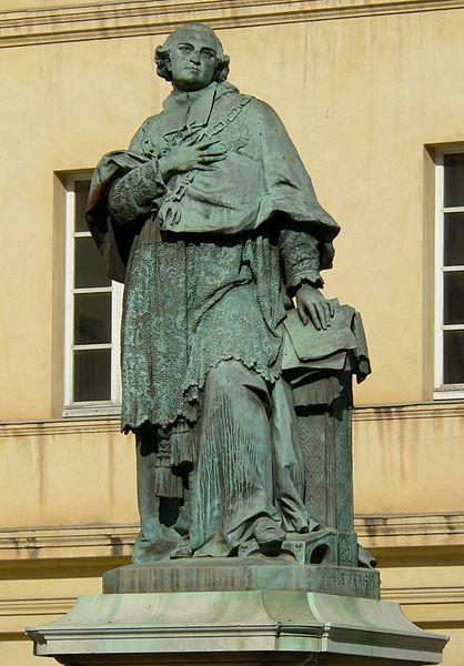 Photo du Monument Historique Statue du cardinal Fesch situé à Ajaccio