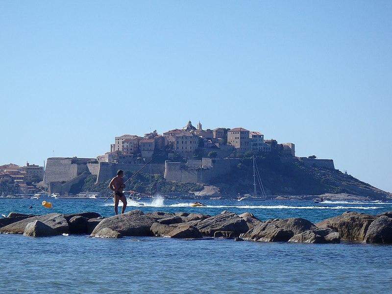 Photo du Monument Historique Remparts de la citadelle et Tour du Sel situé à Calvi
