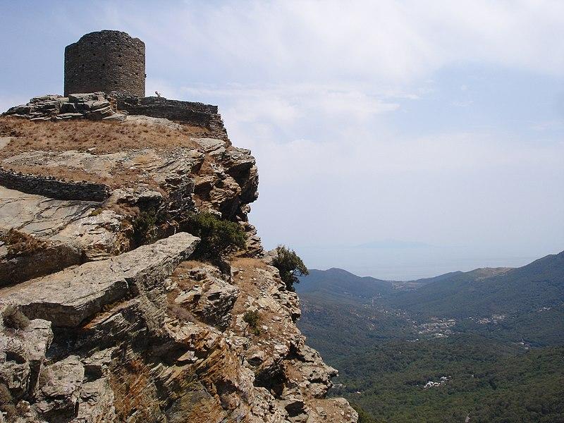Photo du Monument Historique Tour de Sénèque, dite ancien donjon situé à Luri