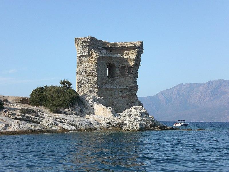 Photo du Monument Historique Ruines de la tour de la Mortella situé à Saint-Florent