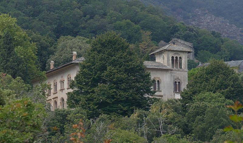 Photo du Monument Historique Demeure dite Château Cagninacci (ancien couvent des Capucins) situé à San-Martino-di-Lota
