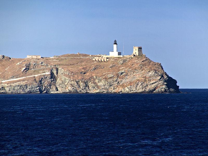 Photo du Monument Historique Phare de la Giraglia, sur l'île de la Giraglia situé à Ersa