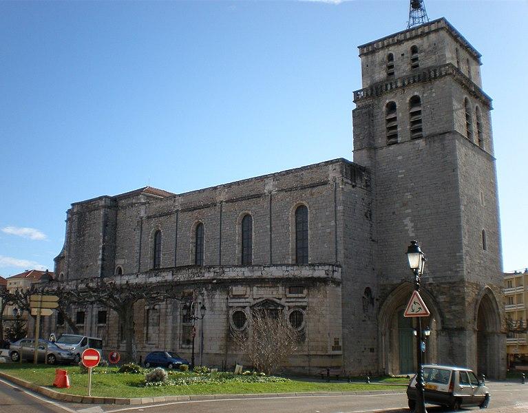 Photo du Monument Historique Ancienne cathédrale Saint-Jean-Baptiste situé à Alès