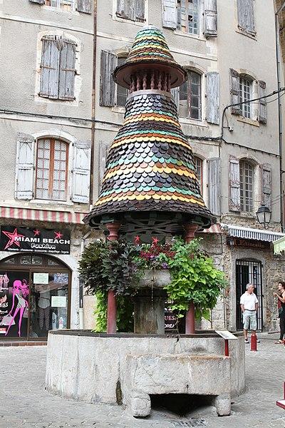 Photo du Monument Historique Fontaine couverte situé à Anduze