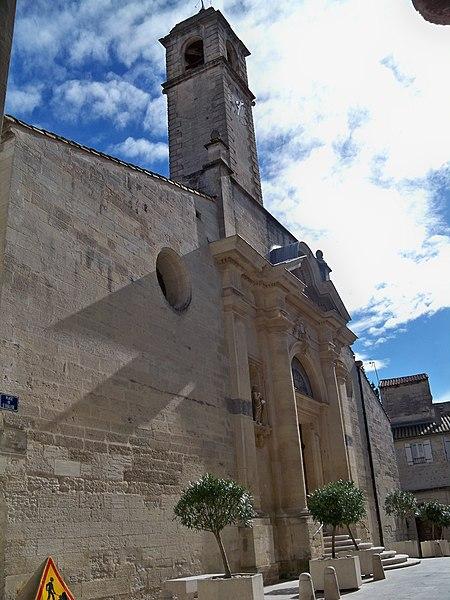 Photo du Monument Historique Eglise paroissiale Saint-Pancrace situé à Aramon